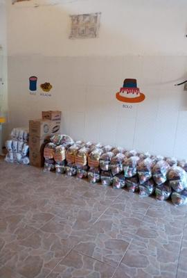 CLN doa cestas básicas para creche comunitária de Vila de Abrantes