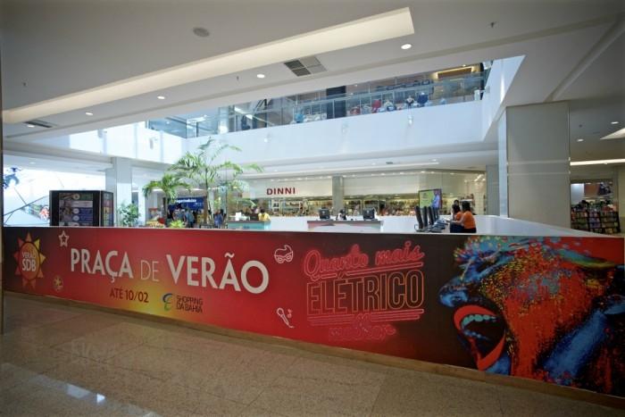 Folião terá guarda-volumes, customização de abadá e balcão com informações turísticas no Shopping da Bahia